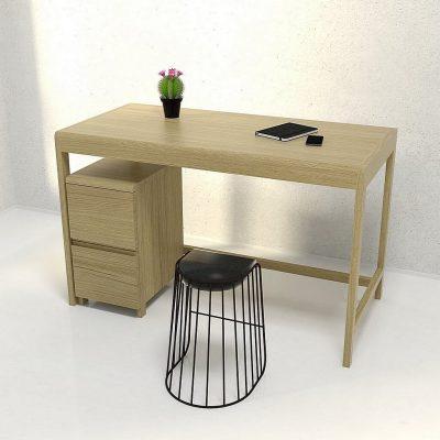 Рабочий стол из массива дерева фото