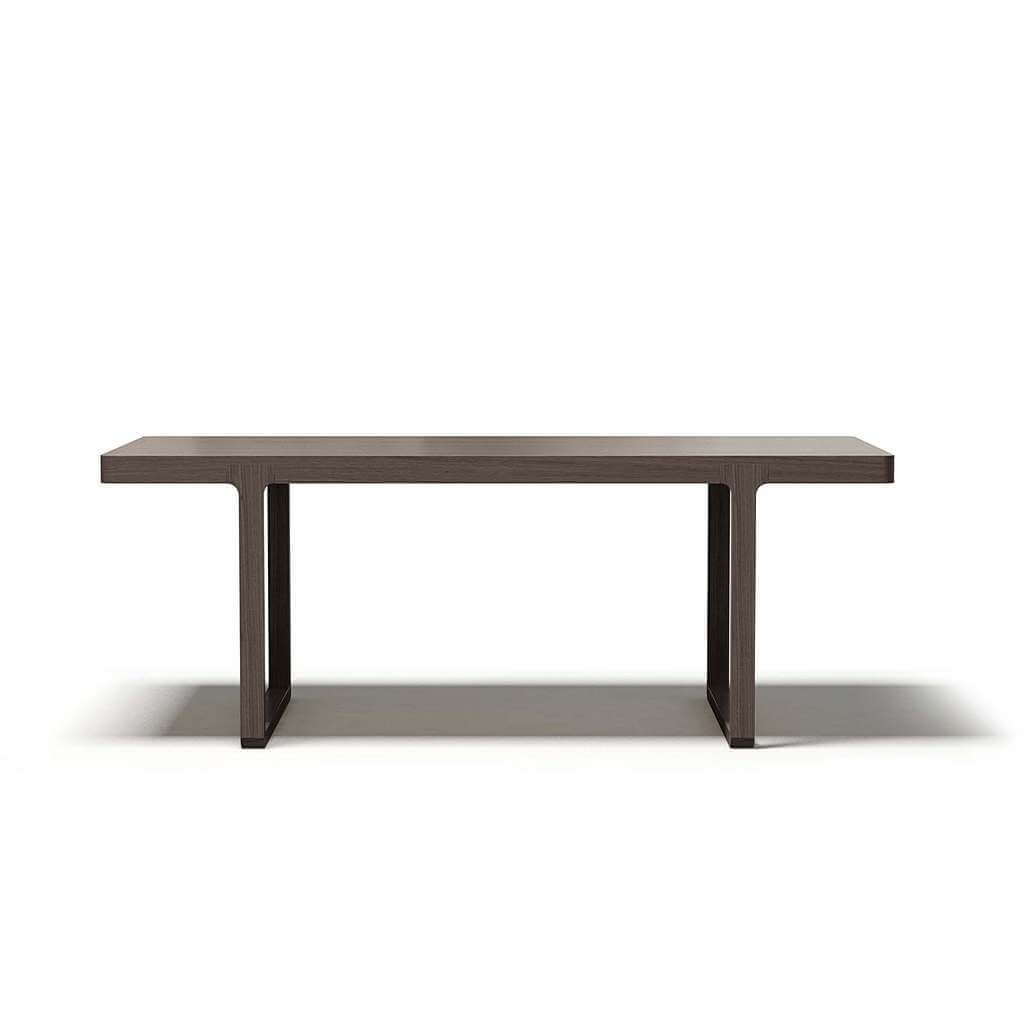 Деревянный стол из массива